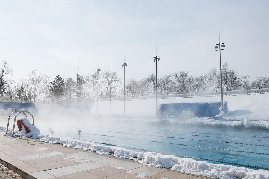 3 Great Ways to Heat Your Pool this Winter