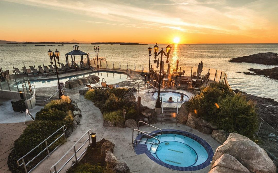 These incredible ocean-view mineral baths in Victoria were built by Trasolini Pools