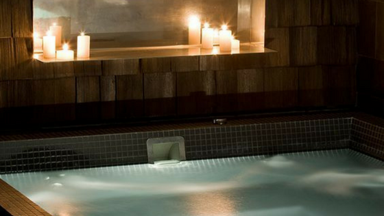 Hot tub safety dos and don'ts
