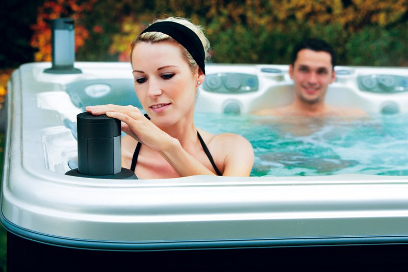 outdoor hot tub ambience - vancouver hot tub company - trasolini pools