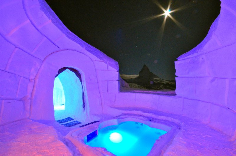 7 incredible luxury hot tubs to visit for a ski vacation
