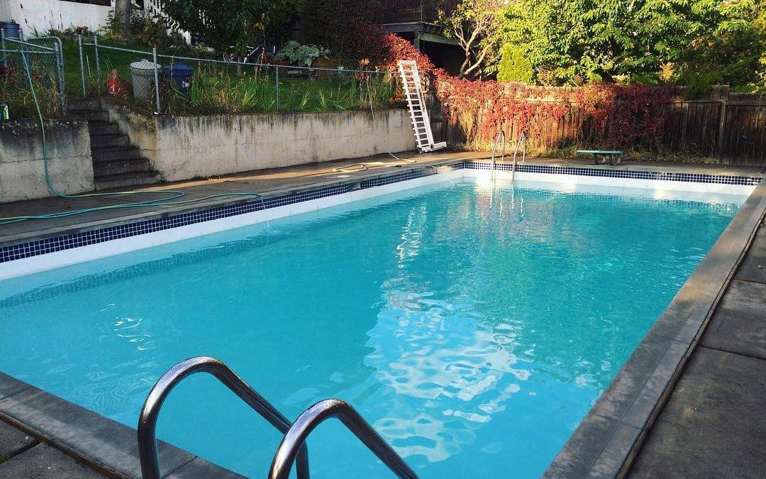 Repairs to look out for when closing down your pool this fall