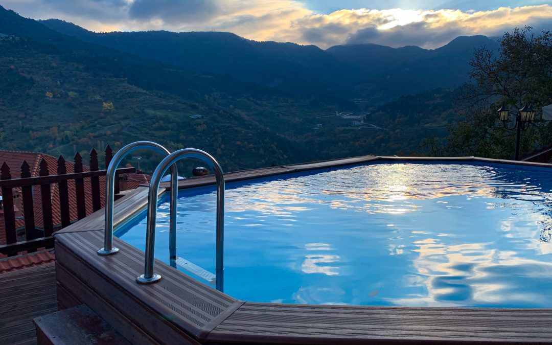 The pros and cons of saltwater hot tubs