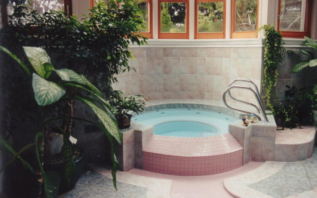 Should you install an outdoor or indoor hot tub?
