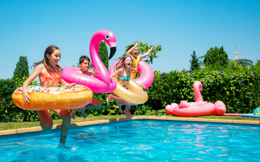 6 tips for hosting the perfect kids summer pool party